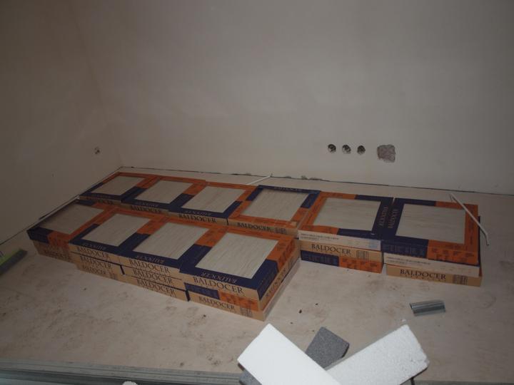 Domeček pokračování vnitřku, jak šel čas - Dakota -obývák, to bylo nošení 44 kartonů