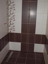 zaspárovaná podlaha -  sprcháč