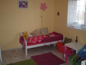 nová postel, aby bylo místo na skříň