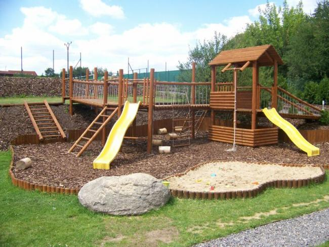 Děti na zahradě, kde si budou hrát? - Obrázek č. 160