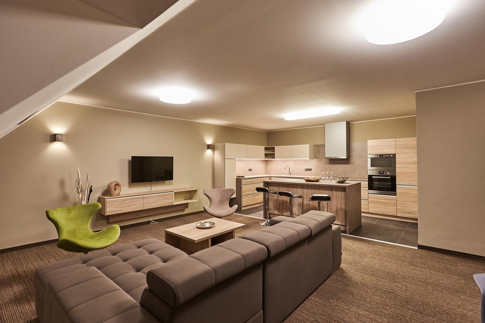 Obývací pokoj s kuchyní a jídelnou - Obrázek č. 464