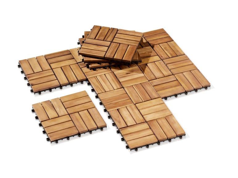 Použili jste někdo na terasu dřevěné dlaždice? Máme na terase dlažbu, ale na kraji je popraskaná, protože ji zedník nechal přesahovat a nepodlepil. Jste s tím spokojeni a dá se někde sehnat levněji, než cca1000Kč/m2? Díky - Obrázek č. 1
