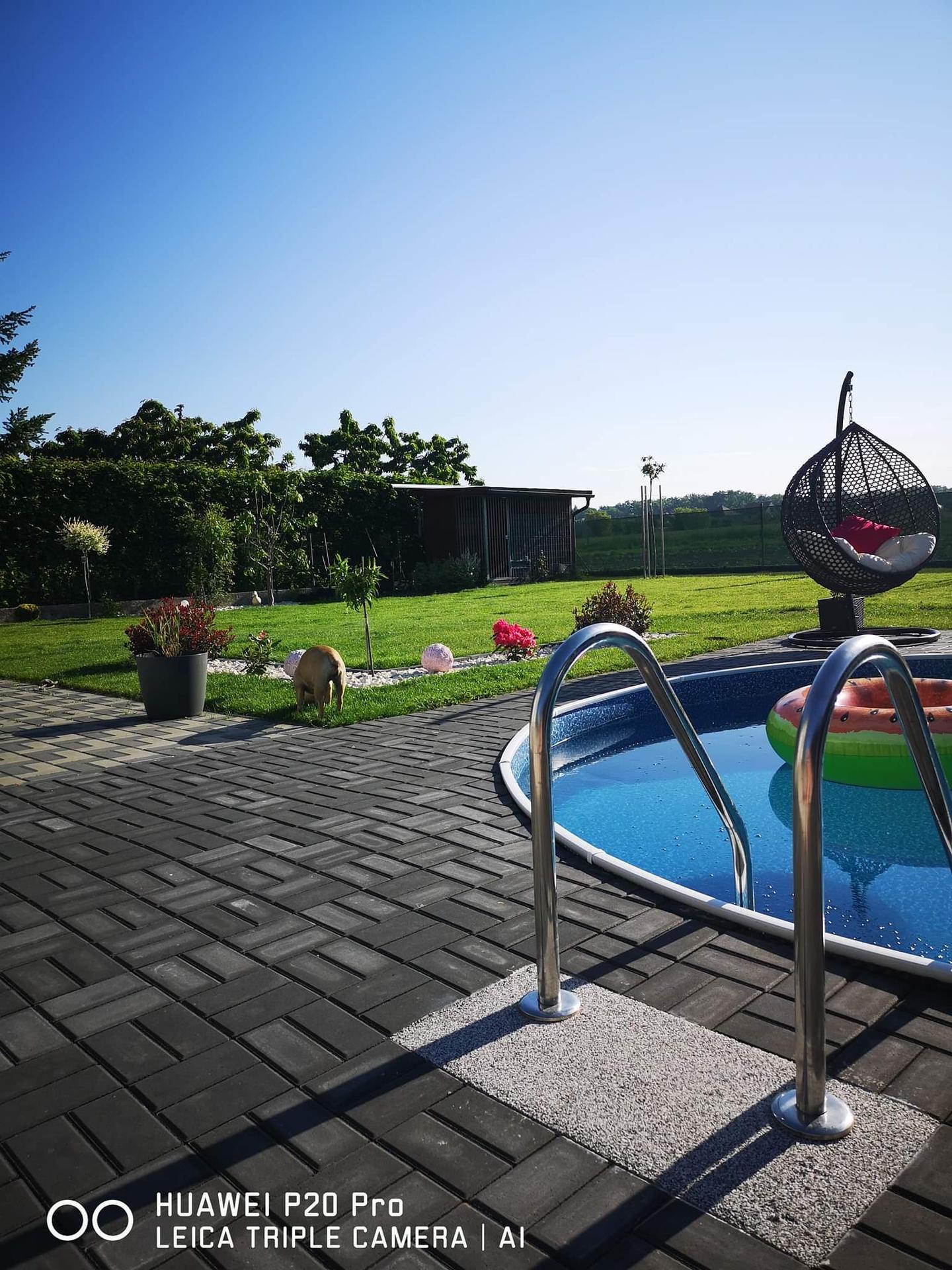 Bazén na zahradě - Obrázek č. 82