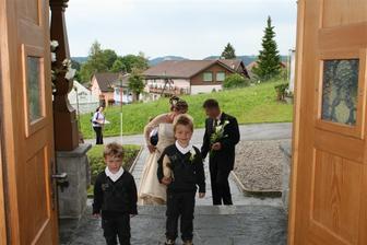 vchadzanie do kostola