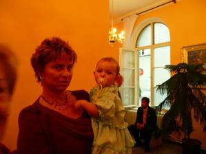 babička s Karolínkou