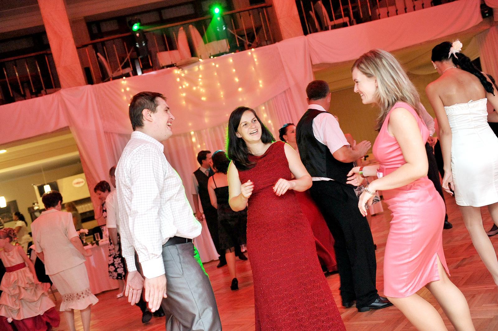 Priamo z tanečného parketu  (osvetlenie - DJ BENNY) - Obrázok č. 3