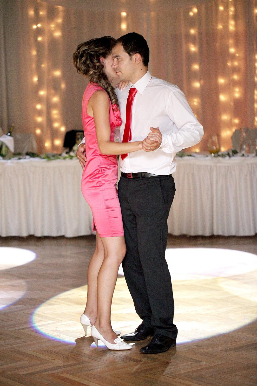 Priamo z tanečného parketu  (osvetlenie - DJ BENNY) - Obrázok č. 2