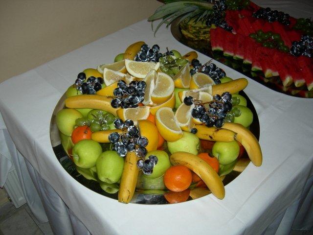 Nase pripravy na august 2007 - kedze svadba bola v auguste, ovocie bolo prijemne osviezenie