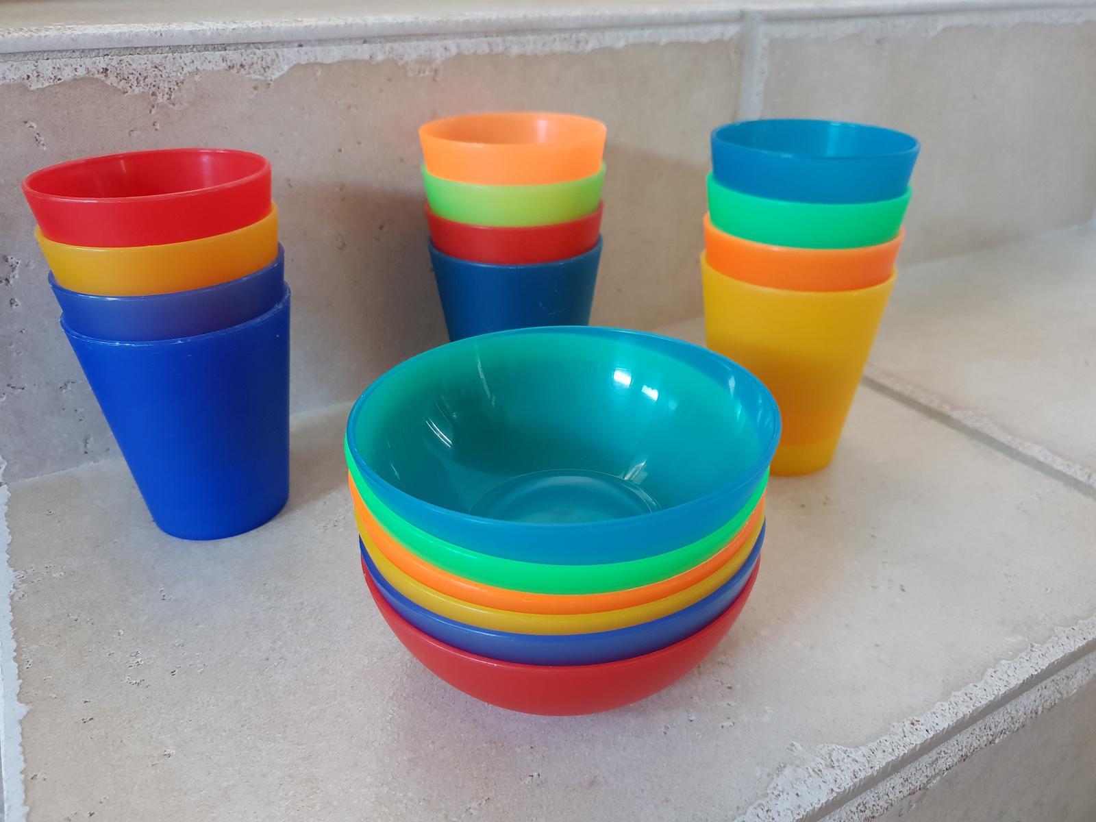Plastové poháre a misky - Obrázok č. 1