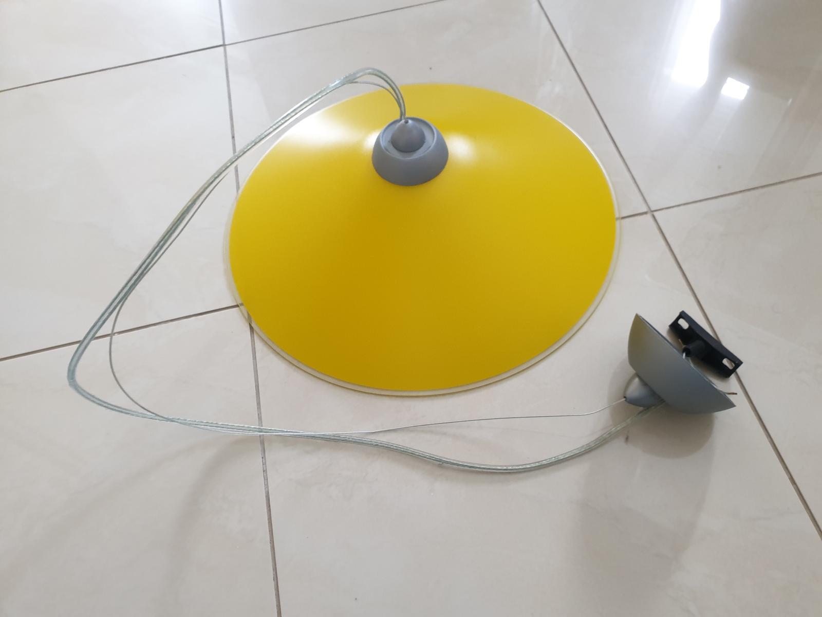 visiace stropné svietidlo - Obrázok č. 1