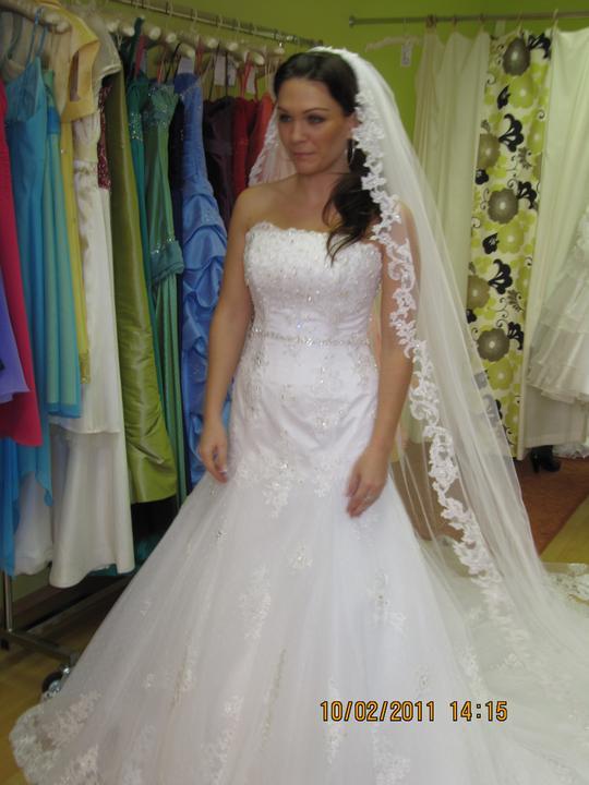 Naše svadobné prípravy :-)) - natasha na mne... velke :-(