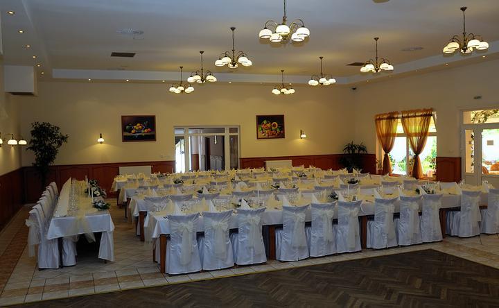 Naše svadobné prípravy :-)) - naša sála :-)