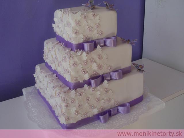 Naše svadobné prípravy :-)) - takato torta, ale zelena :-)