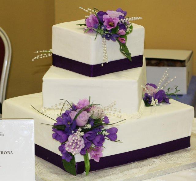 Nika & Misko 24.7.2010 - Do tejto torty som sa zamilovala :)