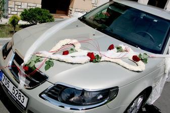 nazdobené auto