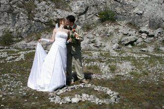 Další novomanželský polibek :)