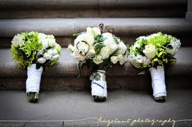 I love these handtied ideas in white and green, love some of the other arrangeents tho