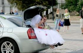 Some wedding pics to make you smile :) - Obrázok č. 9
