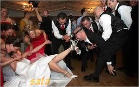 Some wedding pics to make you smile :) - Obrázok č. 11