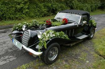 Tohle krásné auto si pro mě ráno přijelo, já ho do poslední chvíle neviděla.