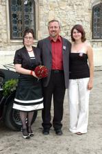 moje drahá sestřička a autorka úžasné květinové výzdoby a táta
