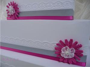 Detail dortu na přání.