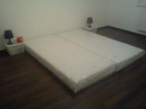 naša provizorna spalnička :)