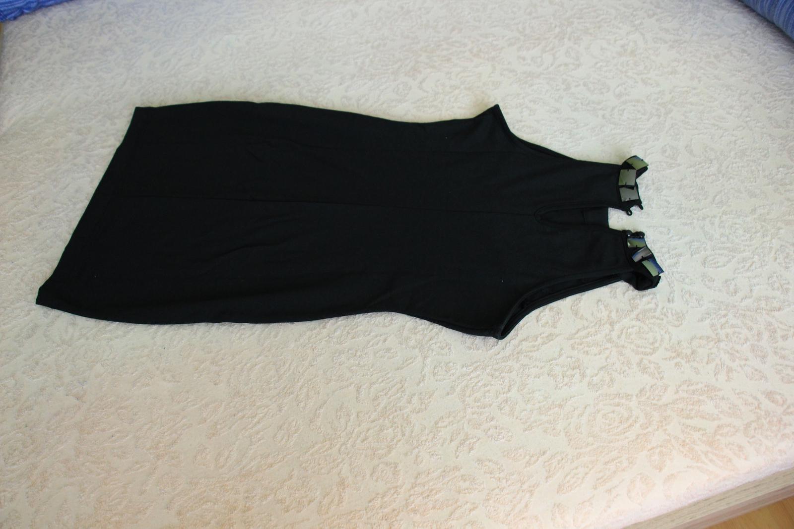 Čierne šaty - Obrázok č. 2