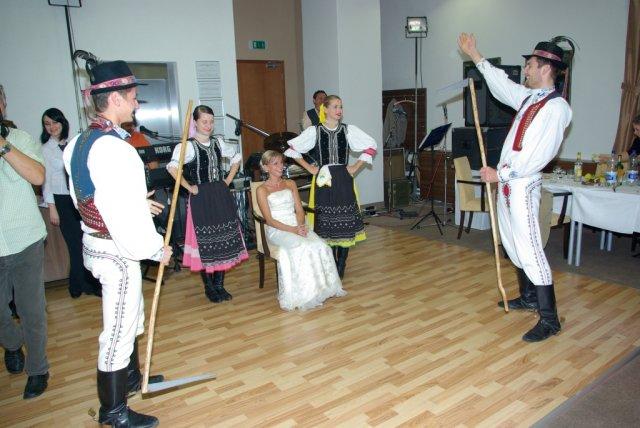Lenka{{_AND_}}Marek - Tancovanie s kosami