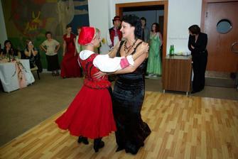 Redový tanec so segrou
