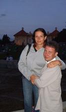 já s mým snoubencem v zámecké zahradě ve Slavkově u Brna :o)