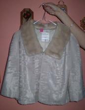 kdyby byla zima, tak si vezmu tenhle kabátek...
