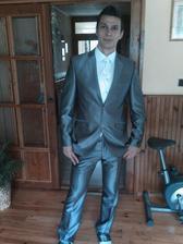 môj miláčik konečne oblečený:))))))