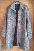 Hnědý kabát, 40