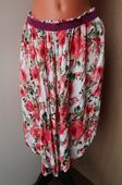 Asymetrická sukně s růžemi , 40