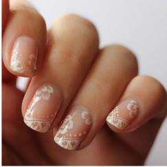 Všetko handmade :o) - a takéto jemné a krásne nechty!