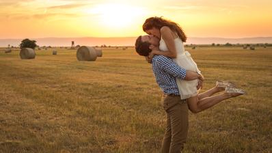 Jedna z predsvadobneho natacania a tu je predsvadobno-svadobny klip: http://vimeo.com/78295111