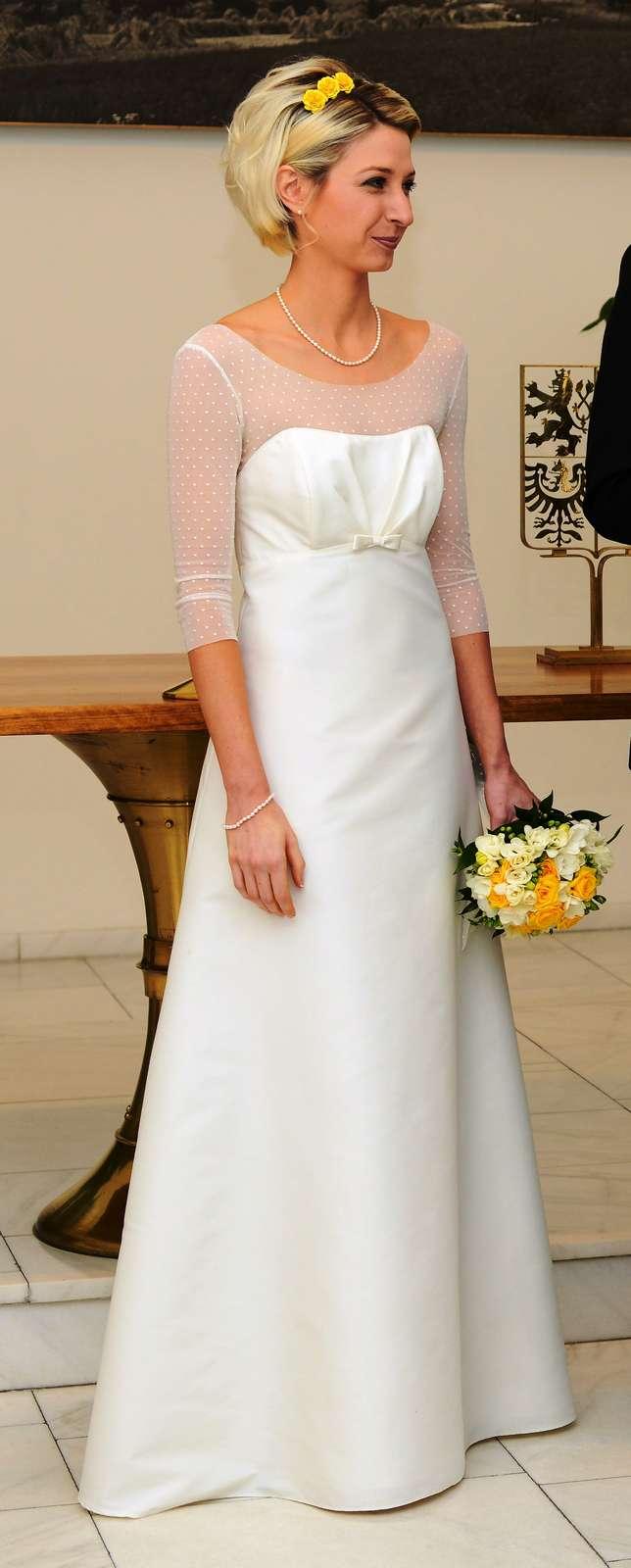 Jednoduché svatební šaty s 3/4 rukávy vel. 32-34  - Obrázek č. 4