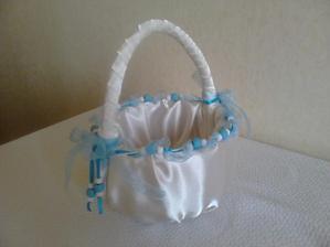 svatební košíček pro synovce vyrobený od maminky