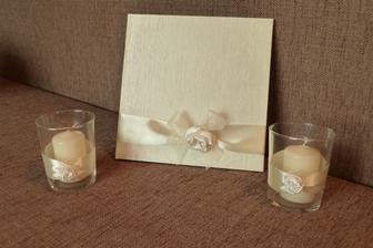 nakonec předělala mamka i svíčky, takže je vše ve stejném designu :-)