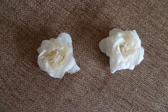 květiny do vlasů