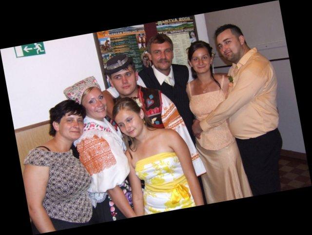 Anička Melicherová{{_AND_}}Ľubko Malatinec - a rodinou....