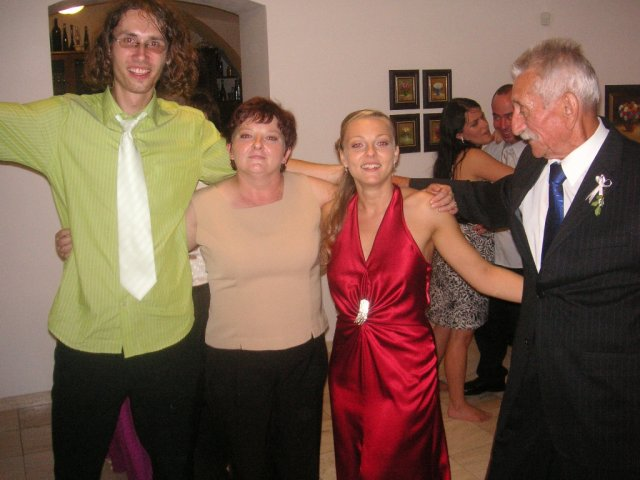 Timka Balgová{{_AND_}}Števi Balga - aj s maminkou :)