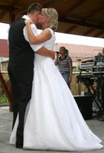první tanec novomanželů ...
