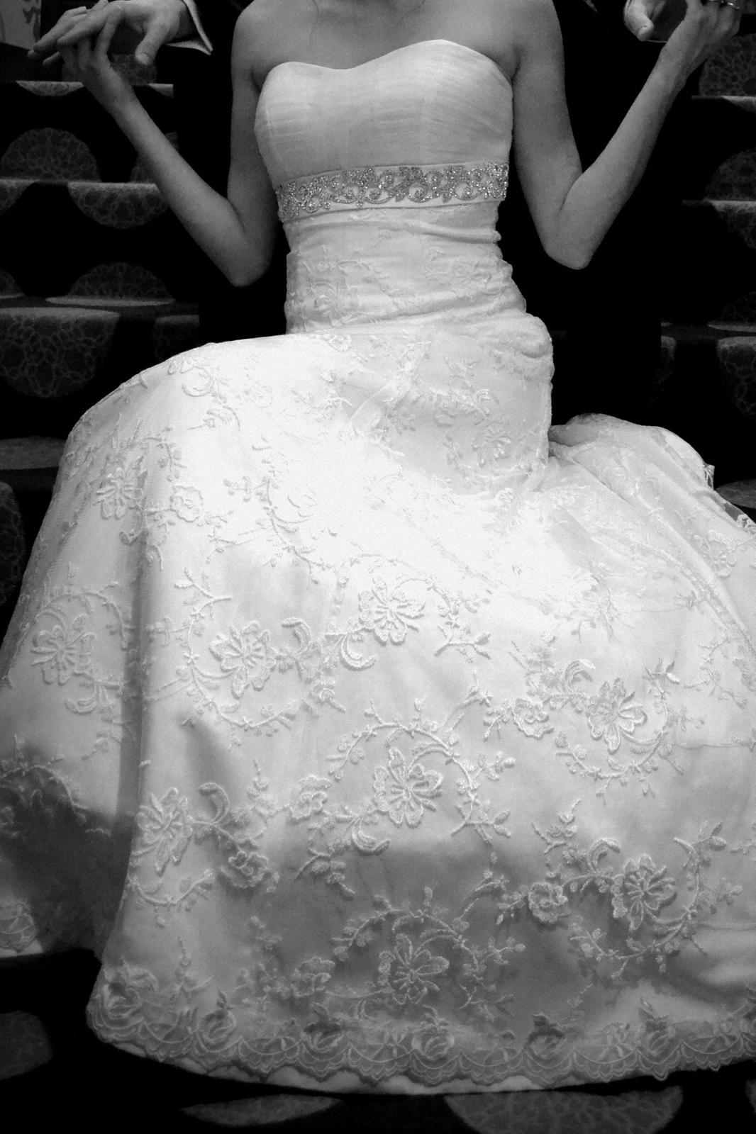 Čipkované svadobné šaty + darček (závoj,bolerko) - Obrázok č. 1