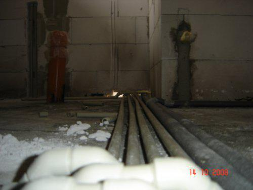 2. pokracovanie stavby...a predchadzajucej galerie... - ..voda..kurenie...