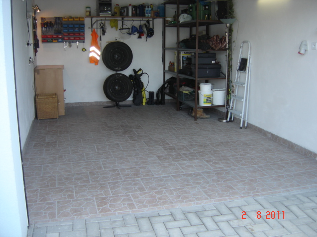 Bungalov 567 - ..konecne dokoncena garaz..