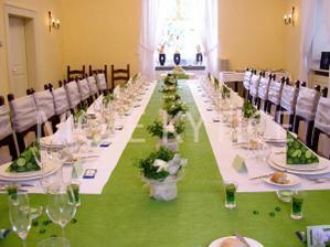 ozdobený stůl 1