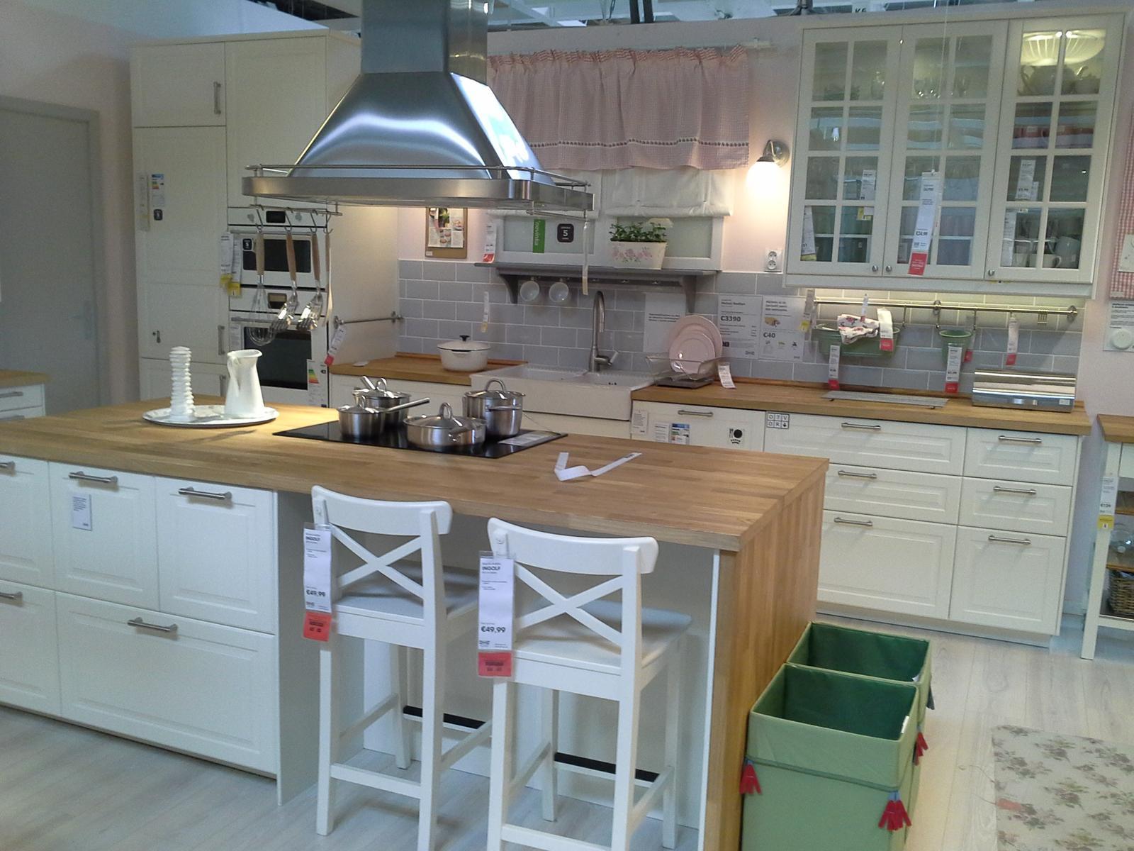 Biela Ikea... - Obrázok č. 1