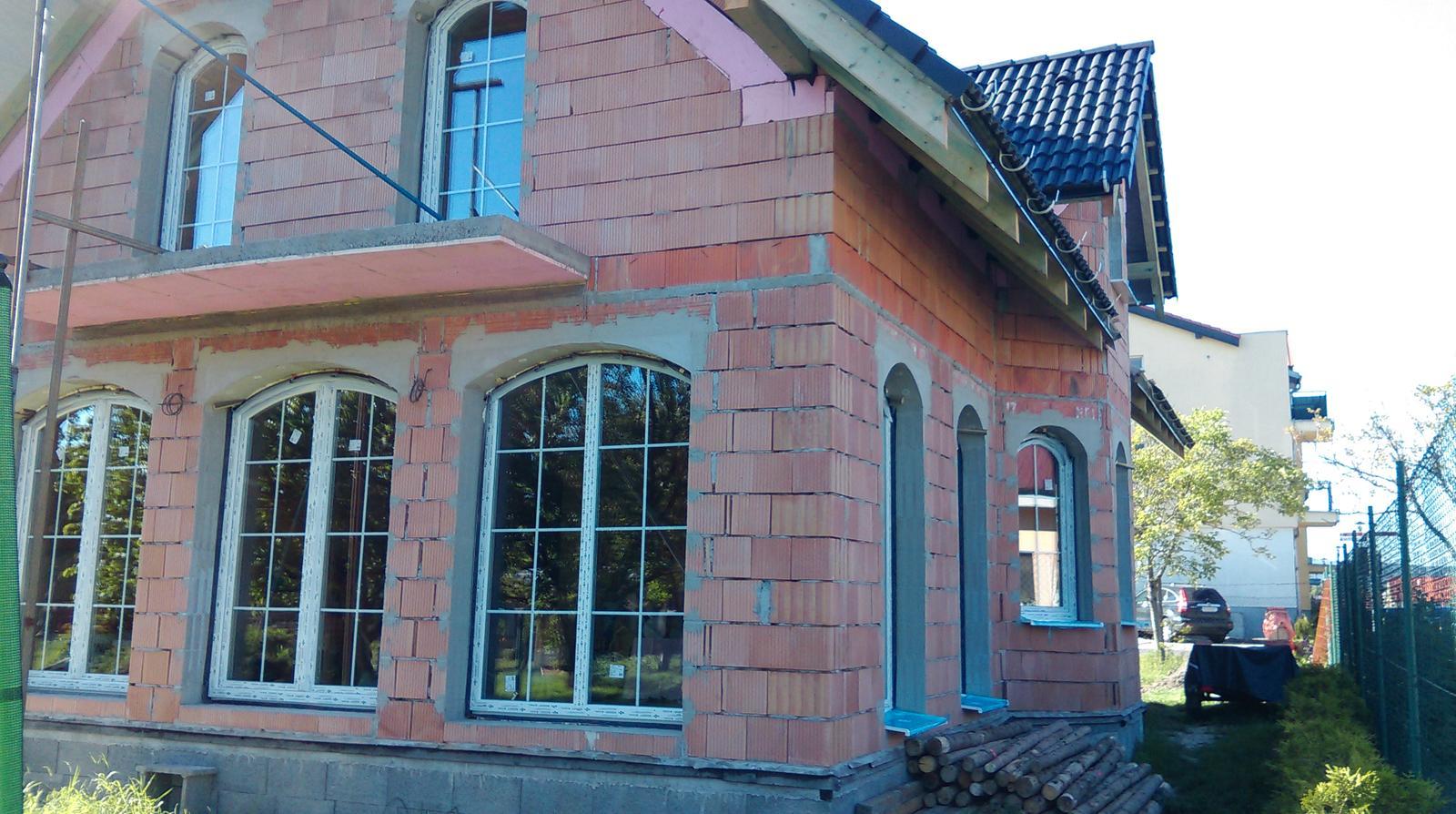 Nas zamocek - Klassik 148 prodom - v zadu - francuzske okna